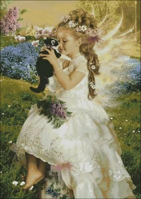 Девочка-ангелочек с кошкой