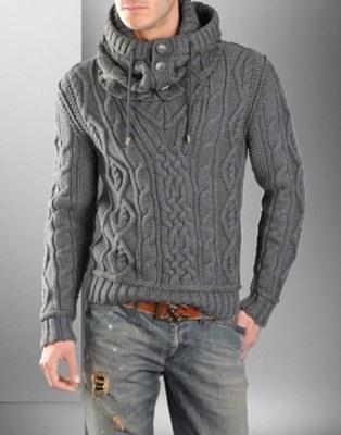 Вязаний спицами мужской пуловер
