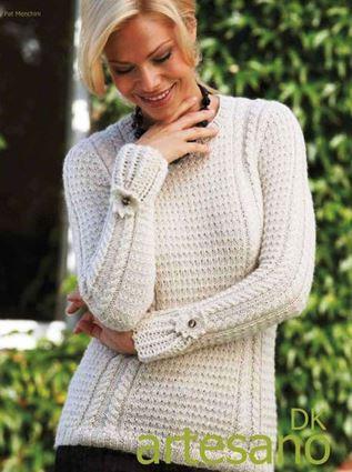 Красивый белый пуловер спицами