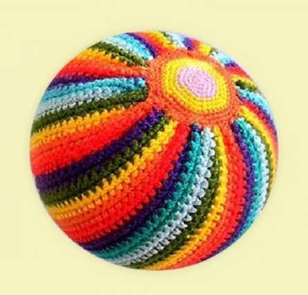 Вязаный мячик