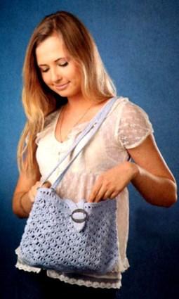 Голубая женская сумка вязаная крючком